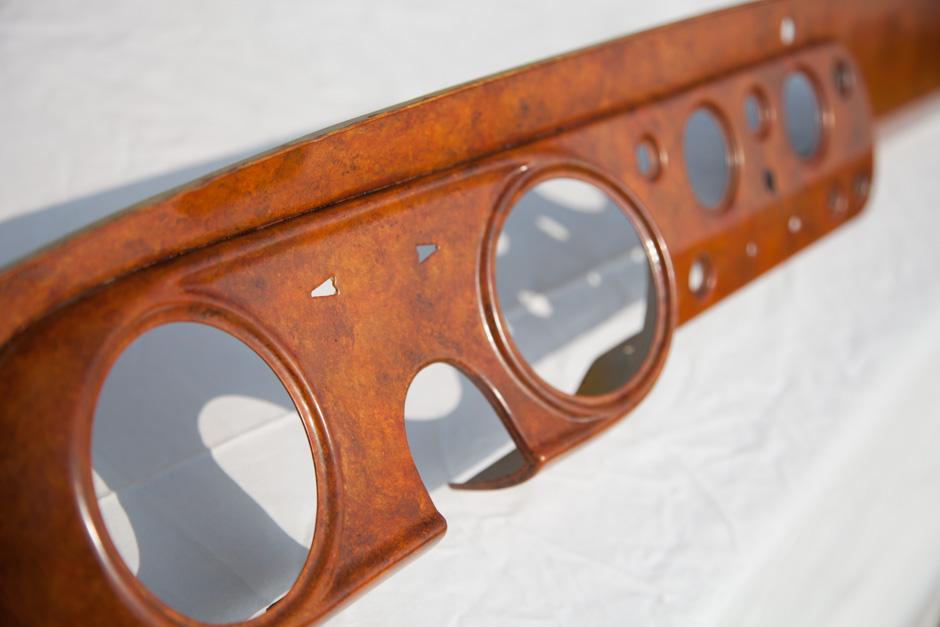 Livraison - Comment ça marche? Pour la restauration de vos tableaux de bord et pièces en bois ou en métal par Maître Artisan Simon Lorkin - Normandie.